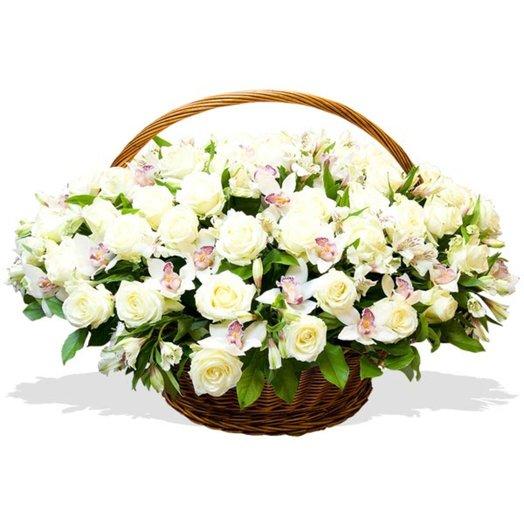 Корзина цветов Облачный атлас: букеты цветов на заказ Flowwow