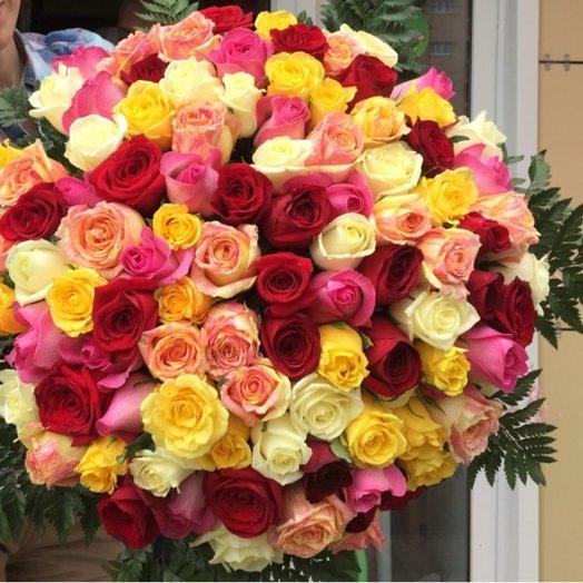 Букет из 100 разноцветных голландских роз 60 см: букеты цветов на заказ Flowwow