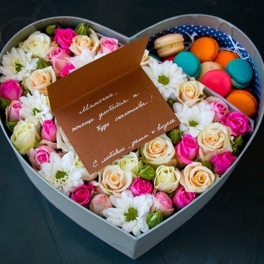 Коробочка с цветами Любимая моя: букеты цветов на заказ Flowwow