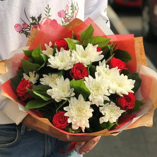 Букет хризантема, роза. N238: букеты цветов на заказ Flowwow