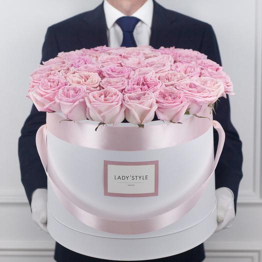 Ароматные эквадорские розы Pink O Hara в шляпной коробке Maxi: букеты цветов на заказ Flowwow