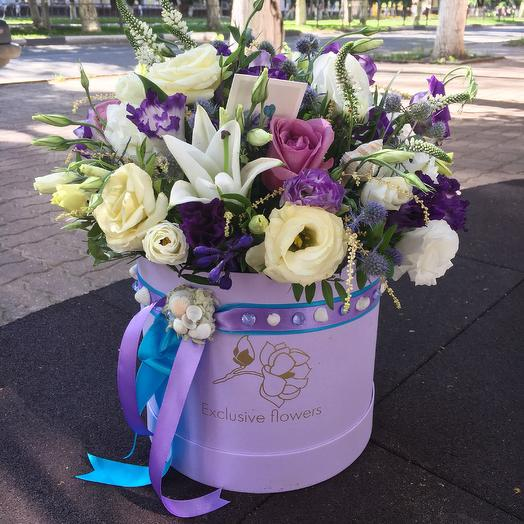 Коробка с цветами 19: букеты цветов на заказ Flowwow