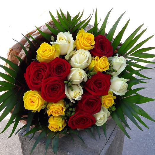 Румяное яблочко: букеты цветов на заказ Flowwow