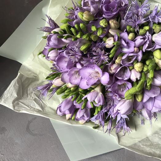 Моно букет из фрезии: букеты цветов на заказ Flowwow