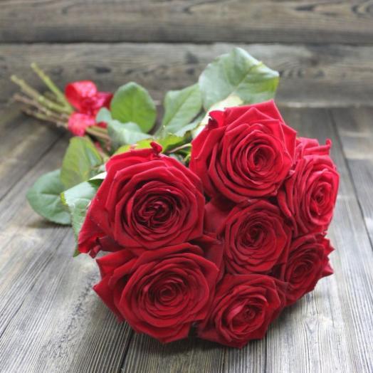 Классически красный: букеты цветов на заказ Flowwow