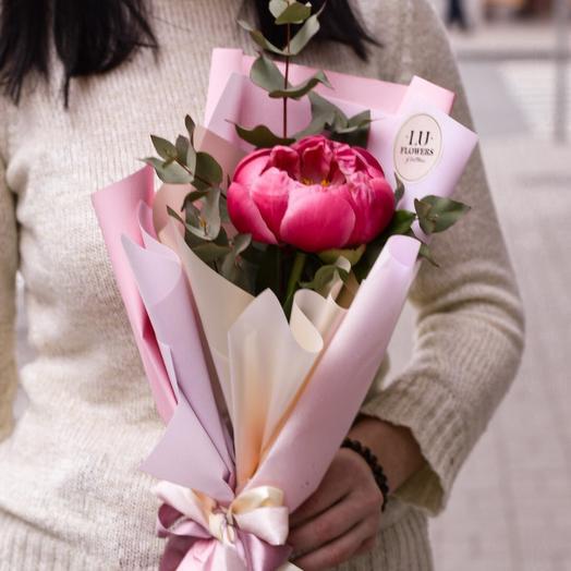 Пиончик с эвкалиптом: букеты цветов на заказ Flowwow