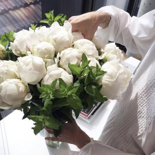Пионы Белые: букеты цветов на заказ Flowwow