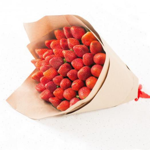 Bouquet of Fresh Strawberries