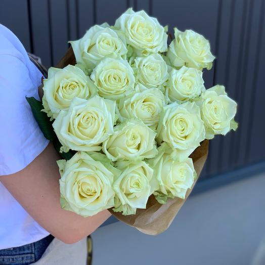 15 White Roses 60cm in Craft paper
