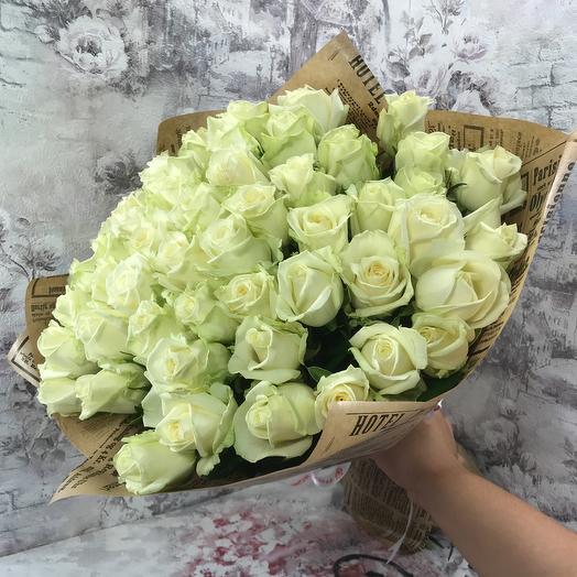 Букет 51 белая роза в крафте: букеты цветов на заказ Flowwow