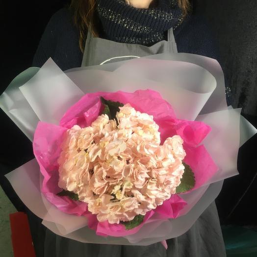 Букет из розовой гортензий