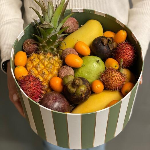 Набор с экзотическими фруктами