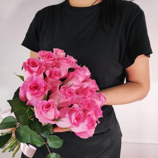 Букет из 19 Розовых роз Ревиваль