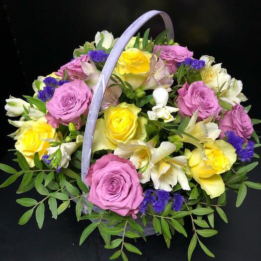 Корзина с цветами « Летнее настроение»