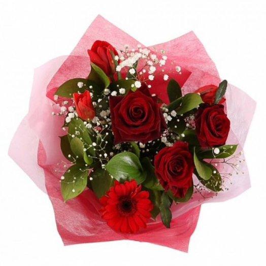 Букет из тюльпанов и роз: букеты цветов на заказ Flowwow