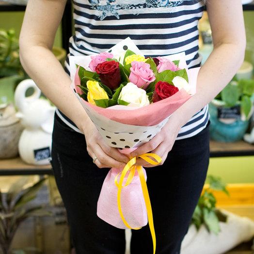"Букет из роз ""Яркий комплимент"": букеты цветов на заказ Flowwow"