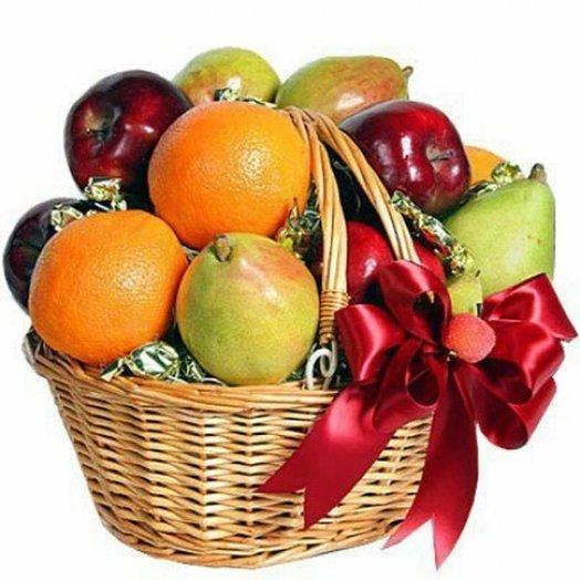 """Корзина фруктов """"Сюрприз"""". Код 18117: букеты цветов на заказ Flowwow"""