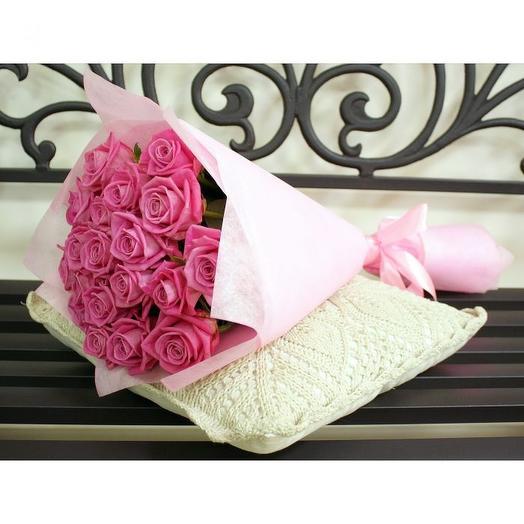 19 розовых роз в фетре
