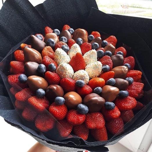Клубничный букет «шейк»: букеты цветов на заказ Flowwow