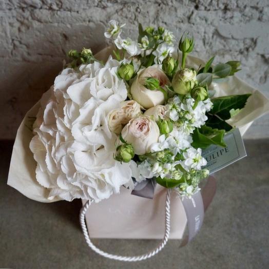 Гортензия и Маттиола / 01: букеты цветов на заказ Flowwow