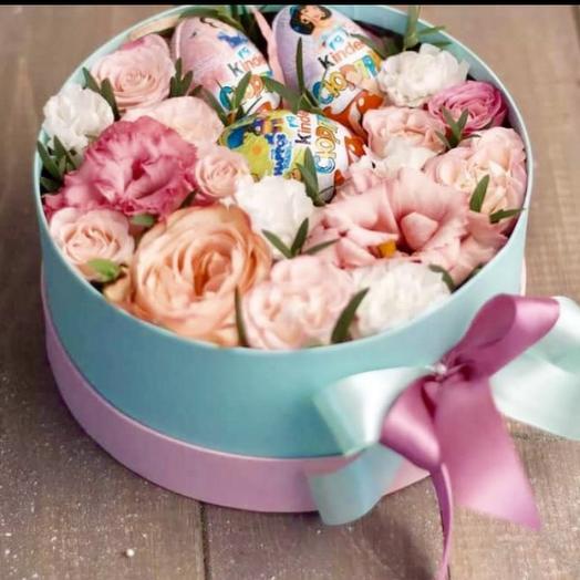 Коробка «Нежная и сладкая»: букеты цветов на заказ Flowwow