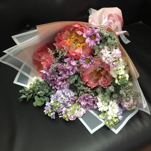 Ароматная маттиола с пионами: букеты цветов на заказ Flowwow