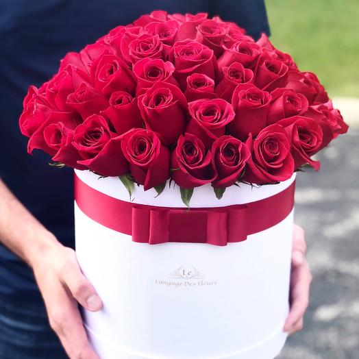 Large white box with red roses: flowers to order Flowwow