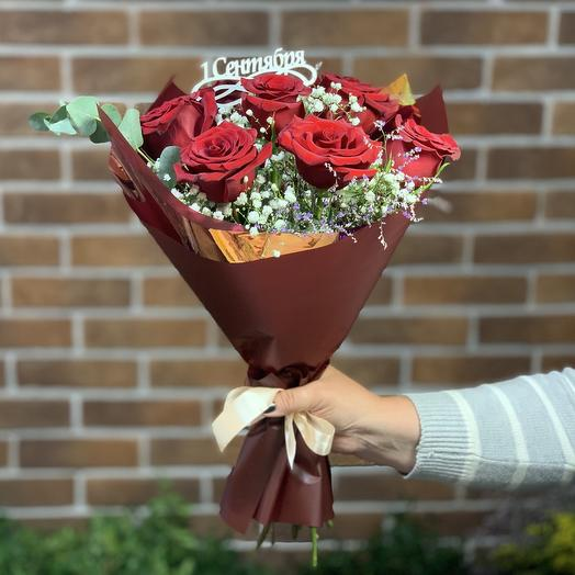 Букет из роз с топпером