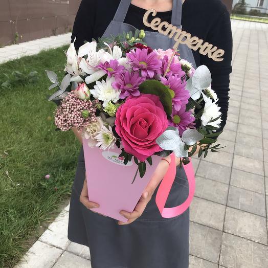 Трапеция с цветами: букеты цветов на заказ Flowwow