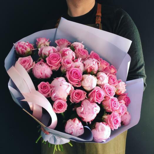 Пионы и роза 💜: букеты цветов на заказ Flowwow