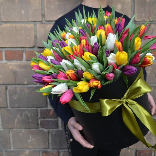 Шикарные тюльпаны в черной