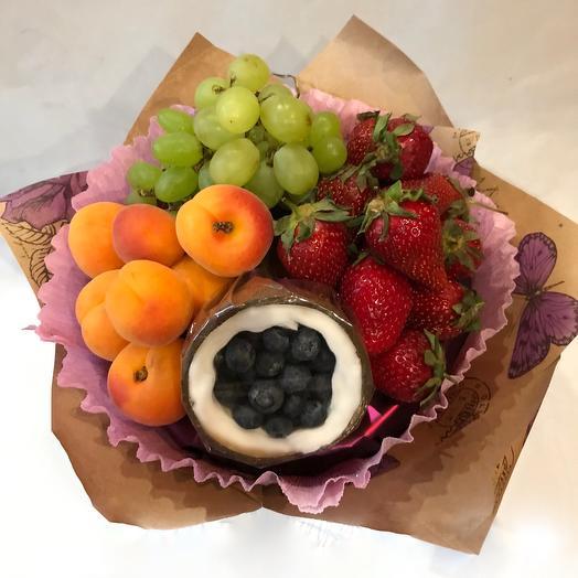 Букет из фруктов и ягод