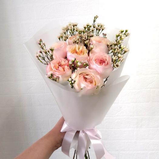Пионовидные розы и хамелациум
