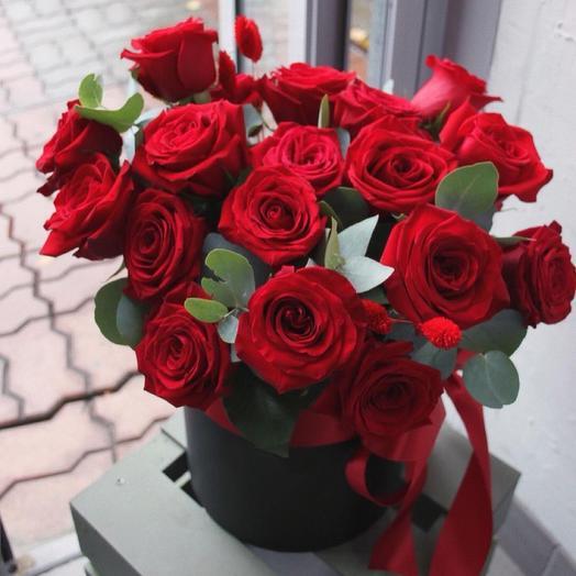 «Коробочка алых роз»