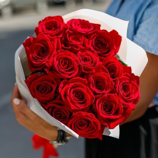 Монобукет из красных роз премиум класса