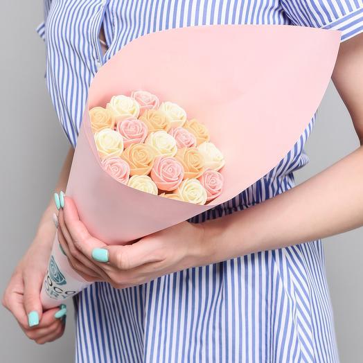 Букет из 19 шоколадных роз B19-R-BOR