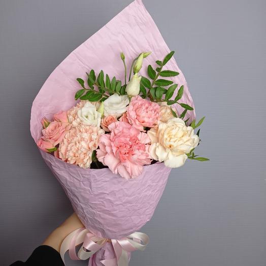 """""""Нежный комплимент"""" Из бархатной гвоздики, розы и эустомы"""