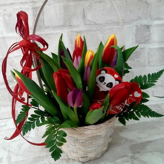Мини корзинка с тюльпаном