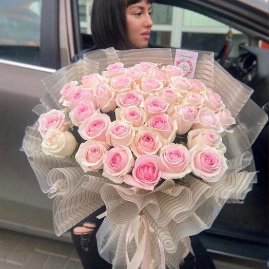 Роскошный букет роз 39 штук
