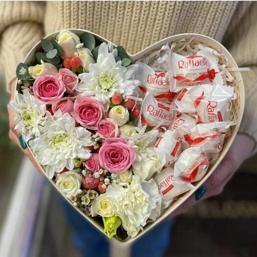 Цветы в коробке L