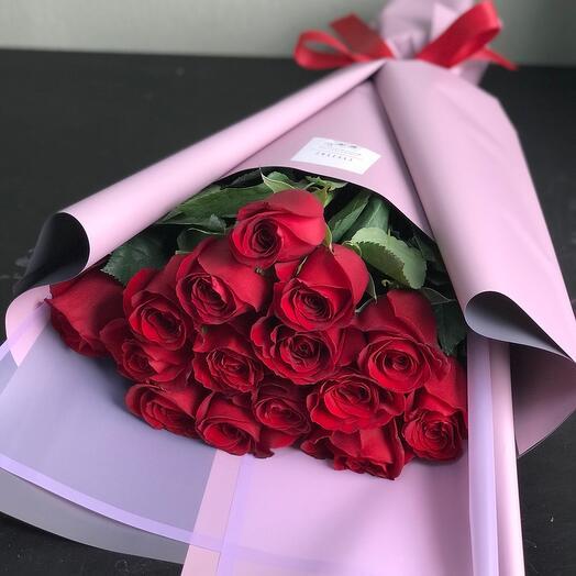 Красные розы 15 шт