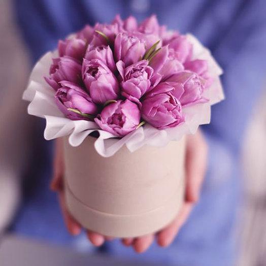 Тюльпаны в мини коробке: букеты цветов на заказ Flowwow