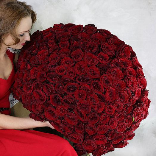 Букет из 151 красной розы - Ред Наоми: букеты цветов на заказ Flowwow