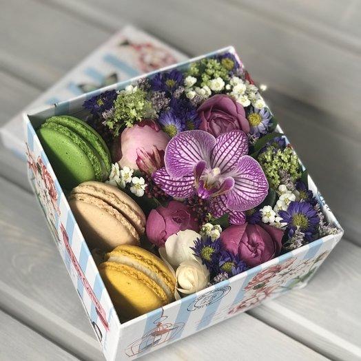 Коробочка призент: букеты цветов на заказ Flowwow