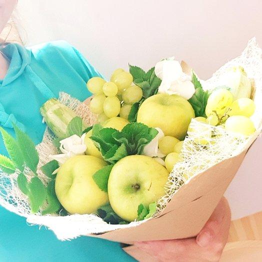 Яблочный букет с мятой и виноградом: букеты цветов на заказ Flowwow