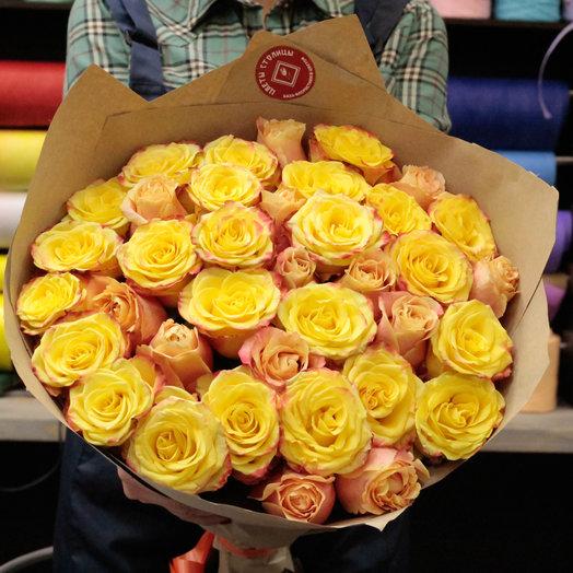 35 ярких роз Цветы столицы: букеты цветов на заказ Flowwow