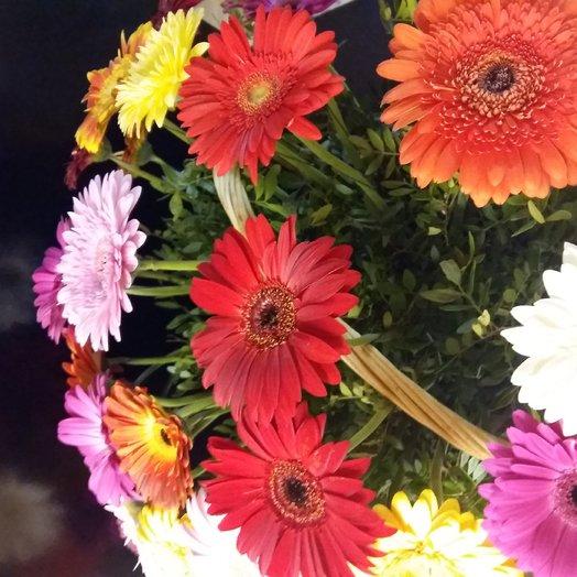 Корзина из гербер: букеты цветов на заказ Flowwow