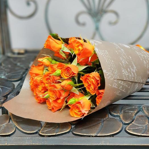 Букет из кустовой оранжевой розы: букеты цветов на заказ Flowwow