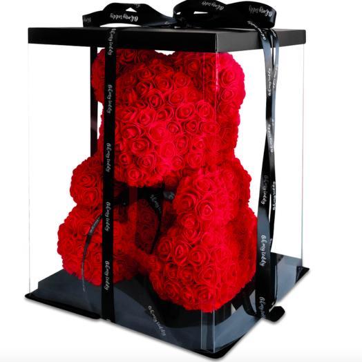 Красный мишка из роз в коробке