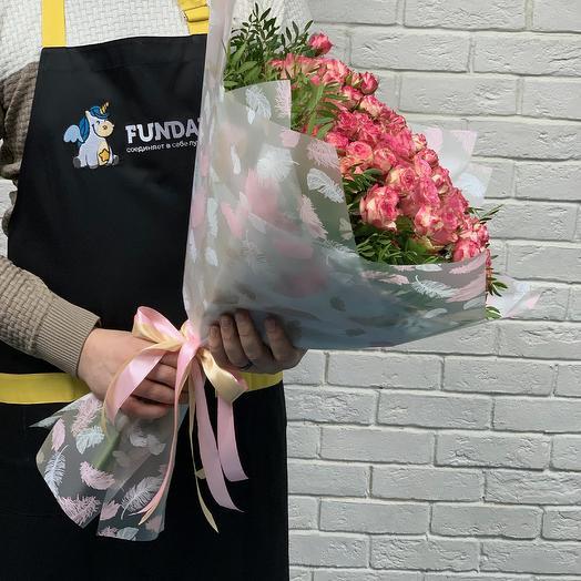 Букет из элитных розовых роз